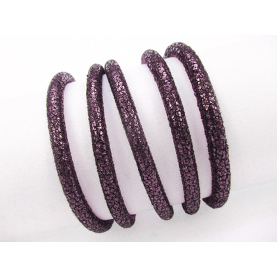 Leather Crackle round stitched 8.0mm - prune (matte metallic)